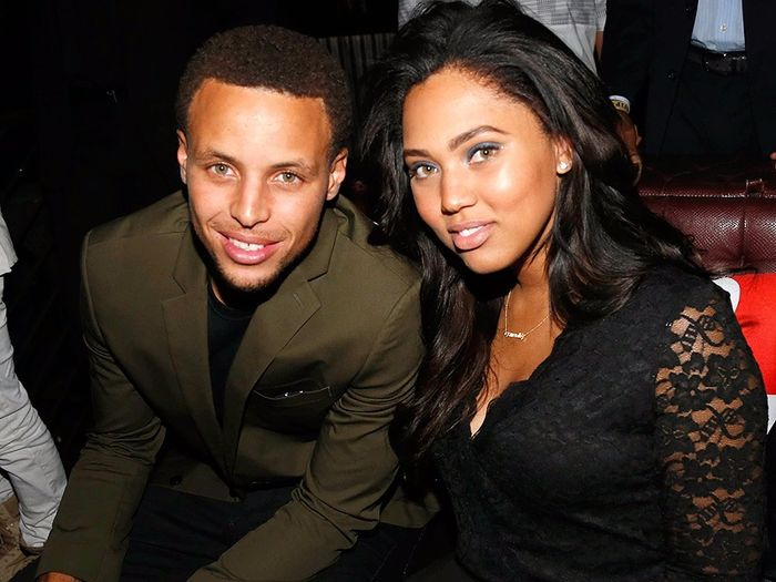 33f1deb45f04 Steph Curry Supports Ayesha After Calling Out  Flirty  Female Fans ...