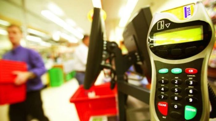 Supermarket self-service checkouts breed a new type of thief