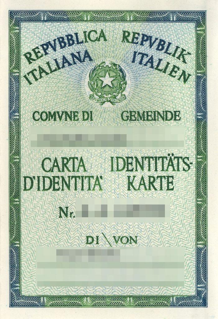 Identitatskarte Aus Papier Hat Ausgedient